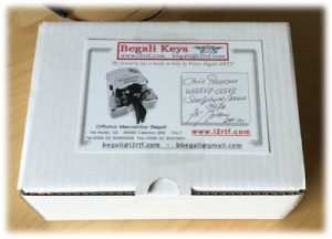Packaging of Begali Sculpture Mono Key